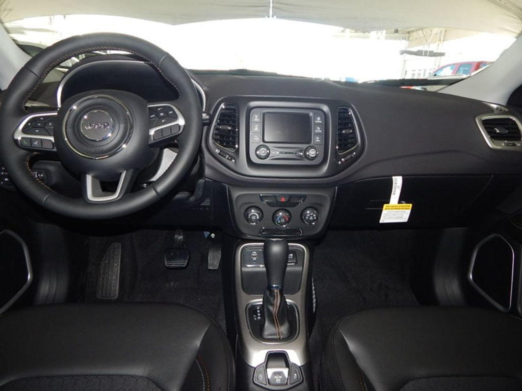 2018 Jeep Compass Latitude - 17868080 - 14