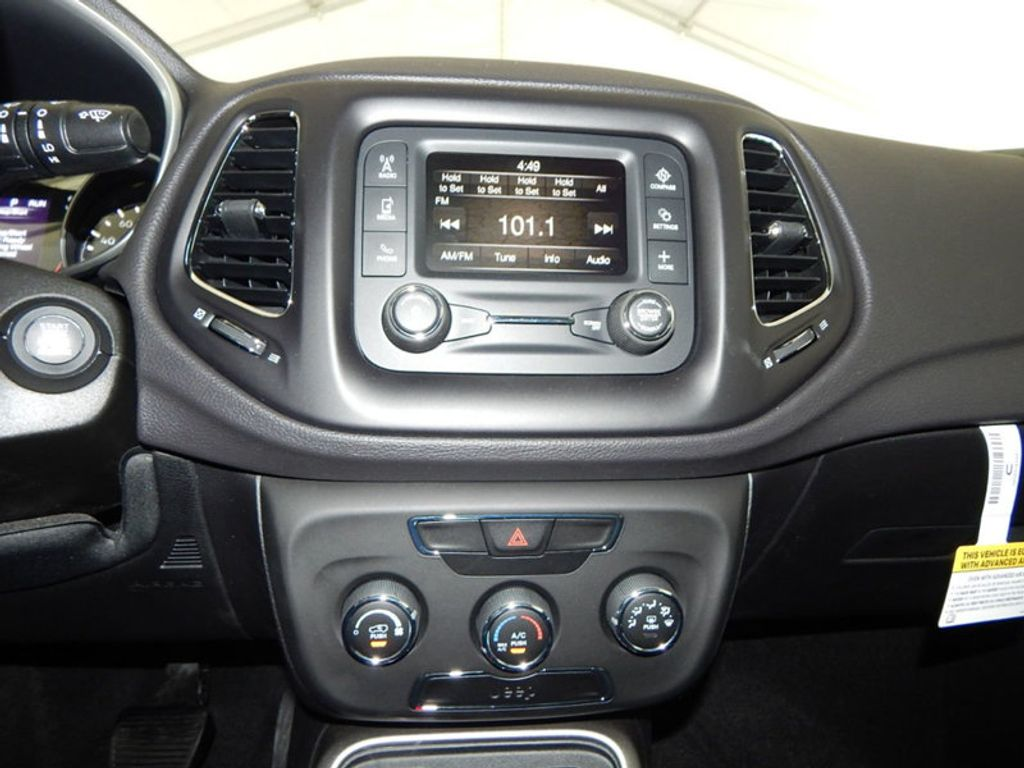 2018 Jeep Compass Latitude - 17868080 - 30