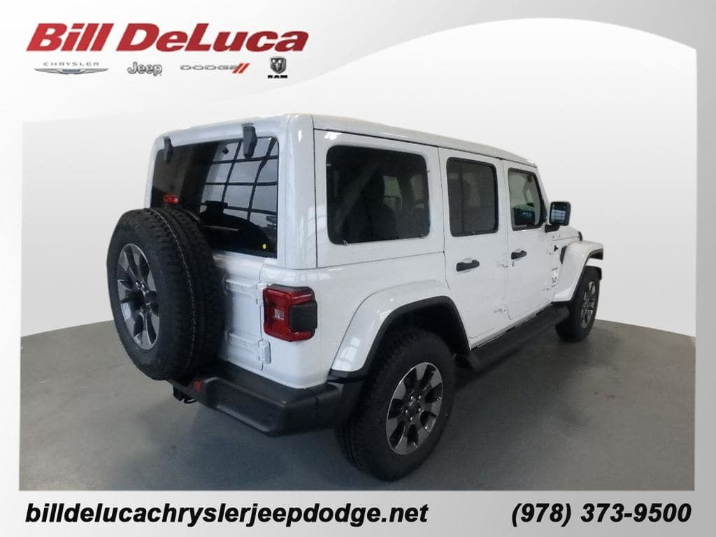 2018 Jeep Wrangler Unlimited Sahara 4x4 - 18705294 - 3