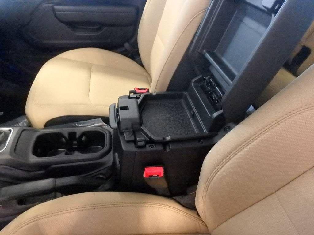 2018 Jeep Wrangler Unlimited Sport S 4x4 - 18374879 - 15