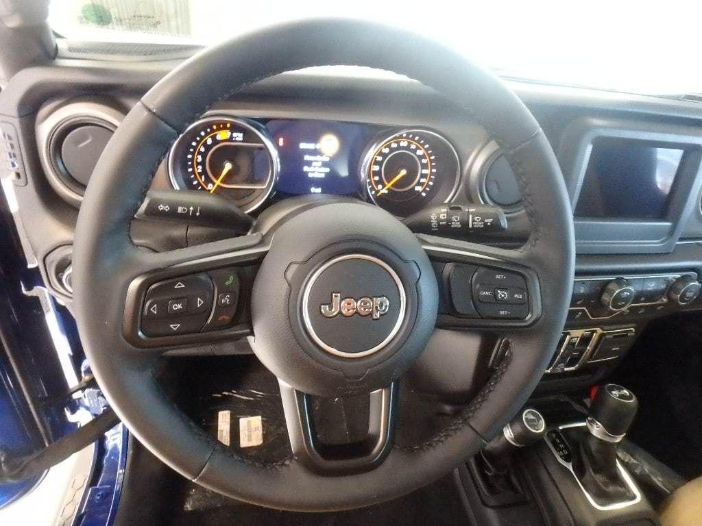 2018 Jeep Wrangler Unlimited Sport S 4x4 - 18374879 - 17