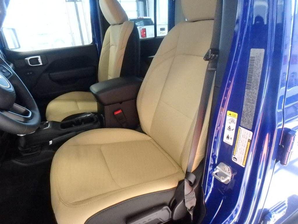 2018 Jeep Wrangler Unlimited Sport S 4x4 - 18374879 - 8