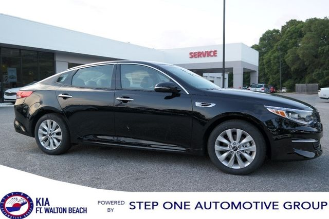 Charming 2018 Kia Optima EX Automatic Sedan   5XXGU4L38JG225346   0
