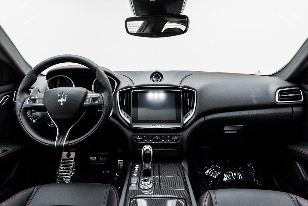2018 Maserati Ghibli S Q4 GranSport 3.0L - 16969117 - 29