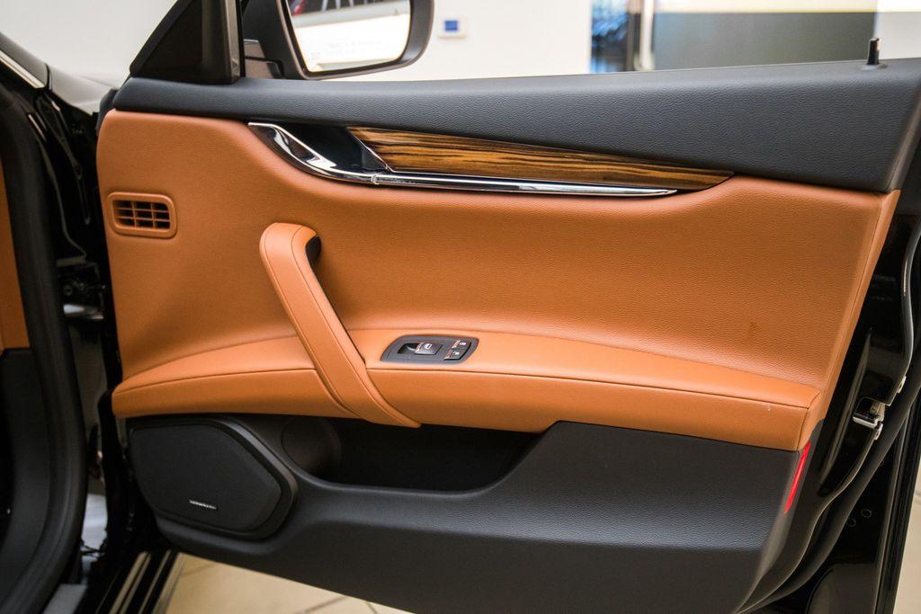 2018 Maserati Quattroporte S GranSport 3.0L - 17511461 - 21