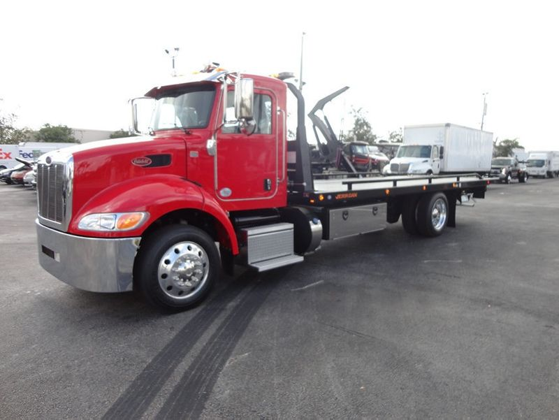 2018 Peterbilt 337 ..AIR BRAKE..AIR RIDE SUS..22SRR6T-W-LP (LCG) ROLLBACK - 16857884