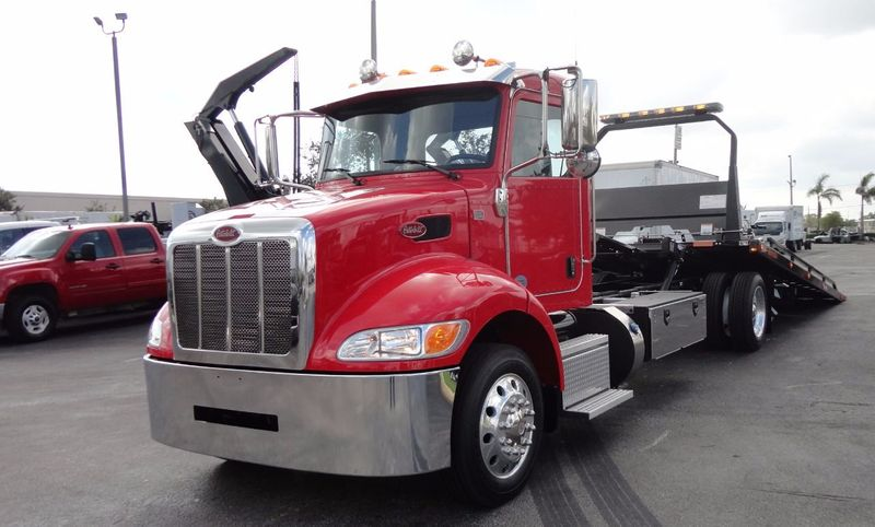 2018 Peterbilt 337 ..AIR BRAKE..AIR RIDE SUS..22SRR6T-W-LP (LCG) ROLLBACK - 16857884 - 1