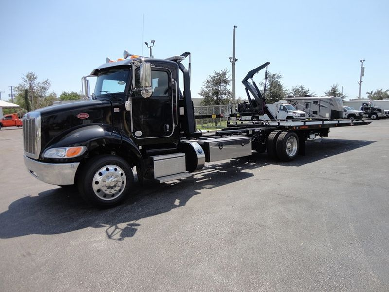 2018 Peterbilt 337 ..AIR BRAKE..AIR RIDE SUS..22SRR6T-W-LP (LCG) ROLLBACK - 16917813 - 0