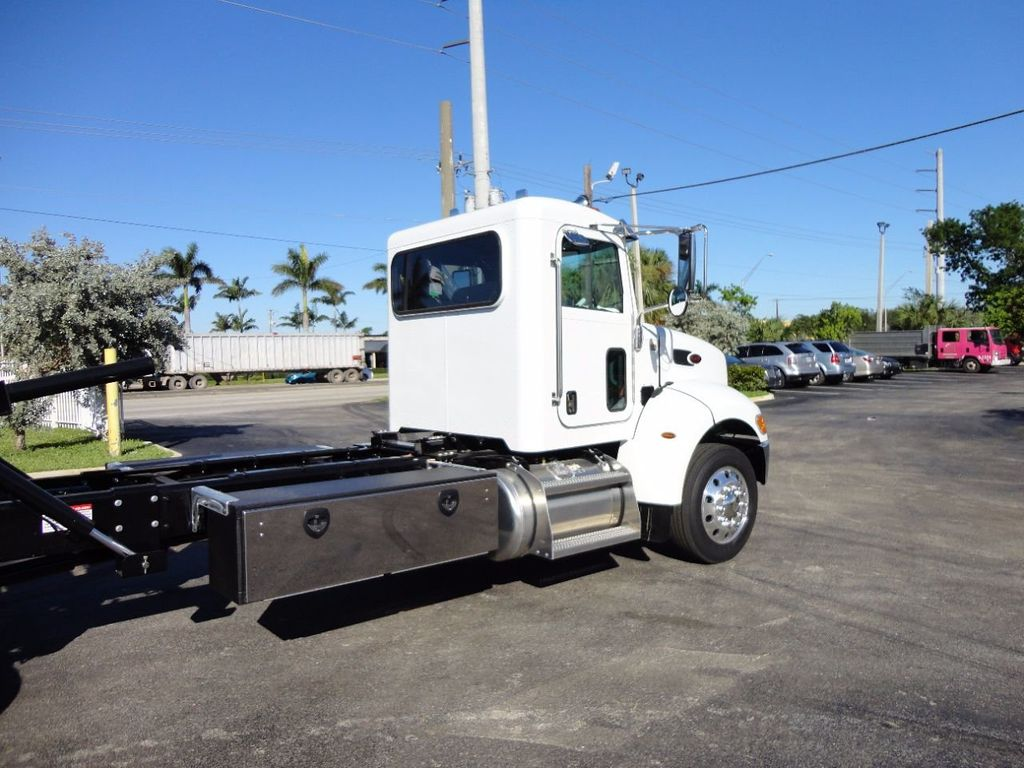 2018 Peterbilt 337 ..AIR BRAKE..AIR RIDE SUS..22SRR6T-W-LP (LCG) ROLLBACK - 16977459 - 9