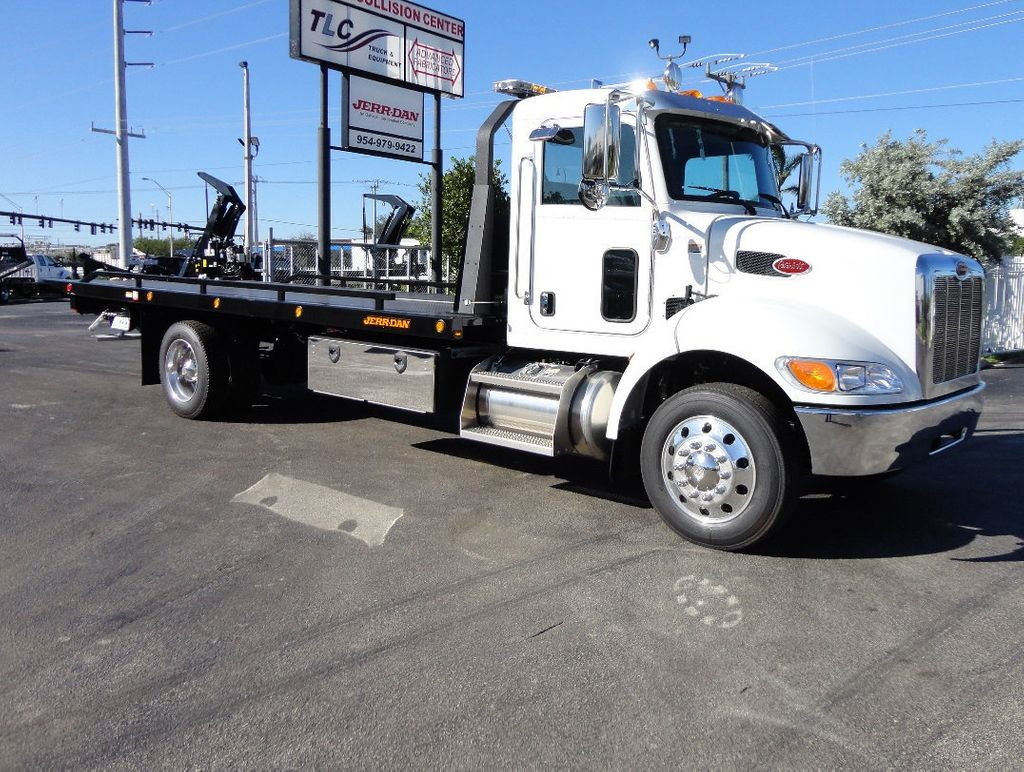 2018 Peterbilt 337 ..AIR BRAKE..AIR RIDE SUS..22SRR6T-W-LP (LCG) ROLLBACK - 16977459 - 32