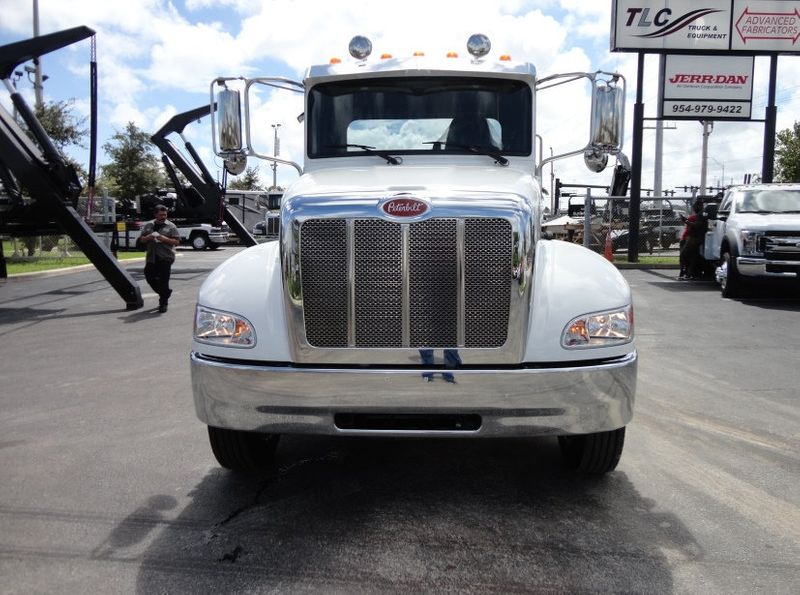 2018 Peterbilt 337 ..AIR BRAKE..AIR RIDE SUS.22SRRD6T-W-LP SHARK ROLLBACK - 16917072 - 30