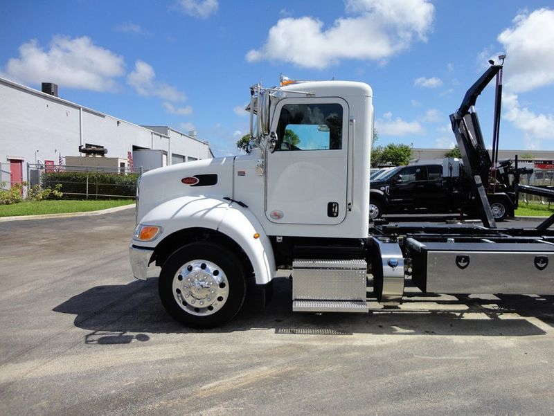 2018 Peterbilt 337 ..AIR BRAKE..AIR RIDE SUS.22SRRD6T-W-LP SHARK ROLLBACK - 16917072 - 3