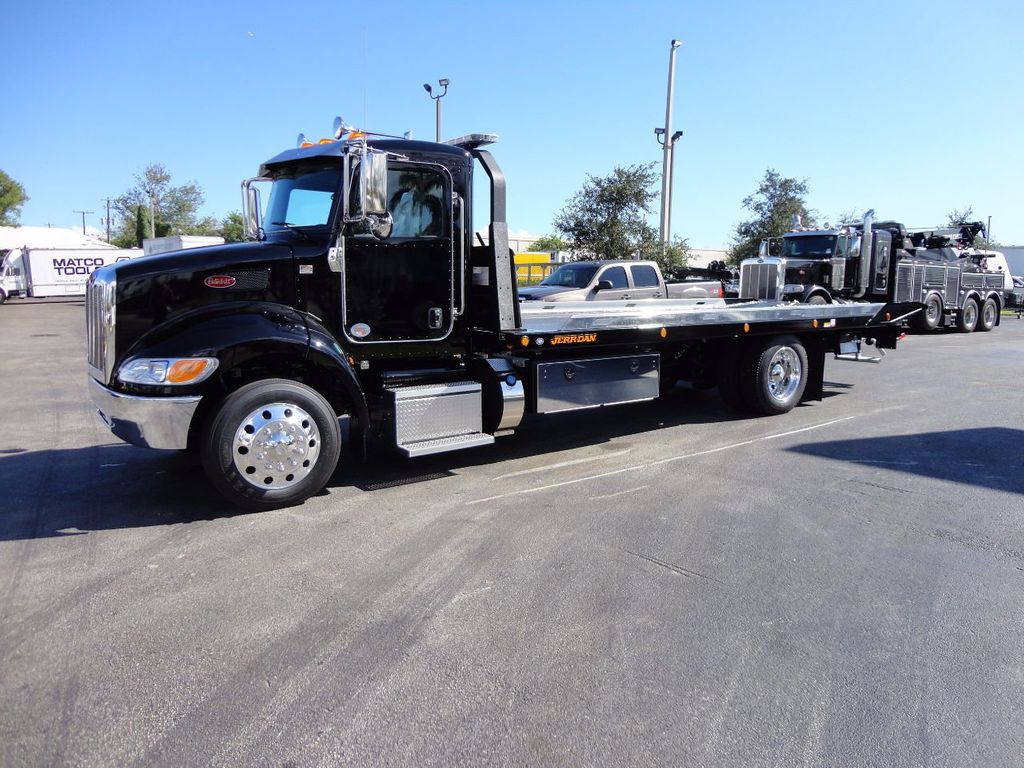 2018 Peterbilt 337 ..AIR BRAKE..AIR RIDE SUS.22SRRD6T-W-LP SHARK ROLLBACK - 17117164 - 0