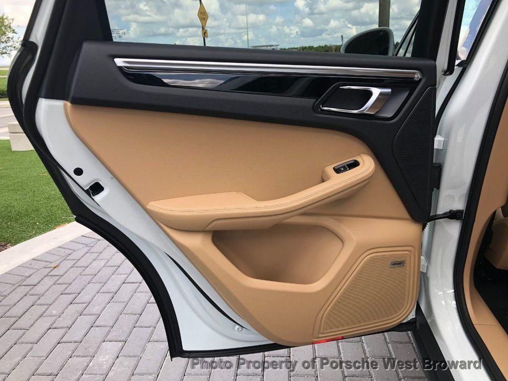 2018 Porsche Macan AWD - 18050101 - 12
