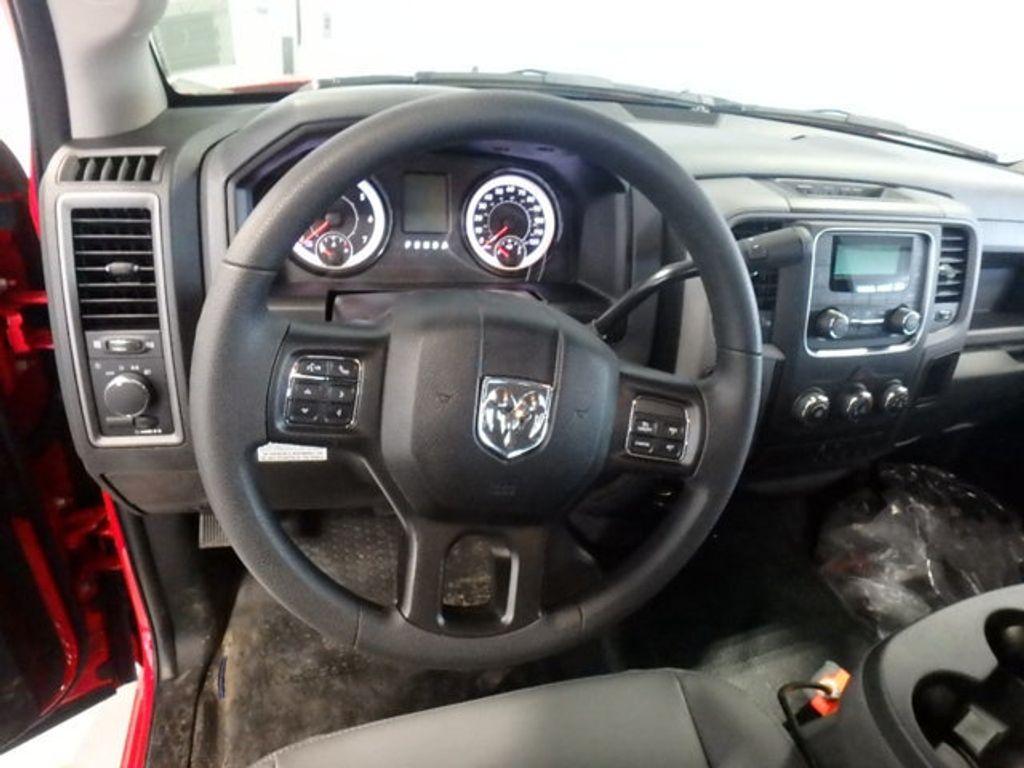 2018 Ram 3500 Chassis Cab TRADESMAN CHASSIS REGULAR CAB 4X4 143.5 WB - 18540141 - 14