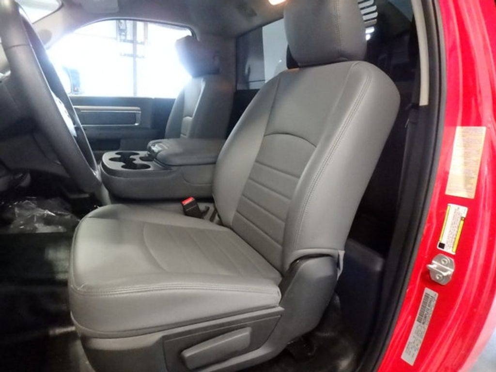 2018 Ram 3500 Chassis Cab TRADESMAN CHASSIS REGULAR CAB 4X4 143.5 WB - 18540141 - 8