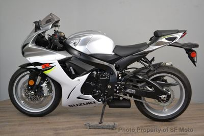 2018 Suzuki GSX-R600 NEED SILVER BIKE - Click to see full-size photo viewer