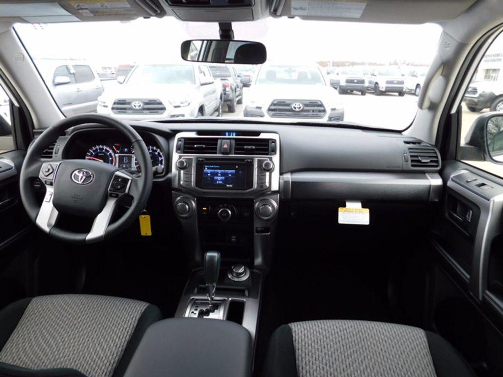 2018 Toyota 4Runner SR5 4WD - 17109482 - 9