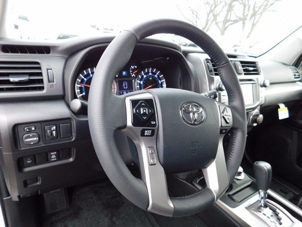 2018 Toyota 4Runner SR5 4WD - 17109482 - 12