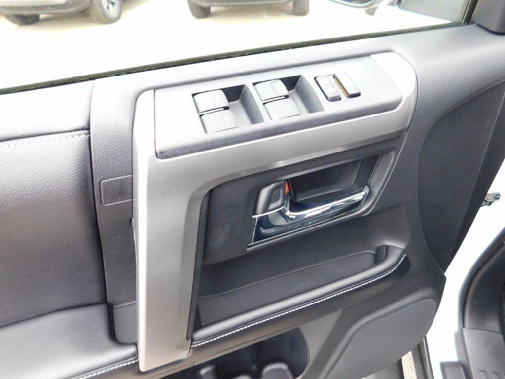 2018 Toyota 4Runner SR5 4WD - 17109482 - 13