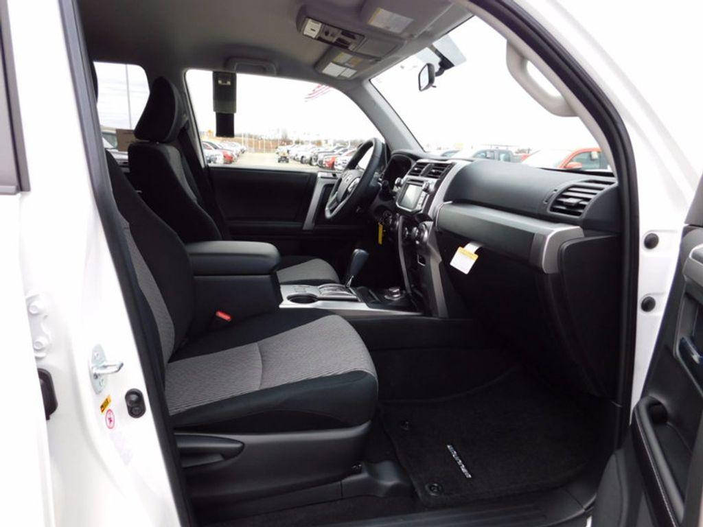 2018 Toyota 4Runner SR5 4WD - 17109482 - 7