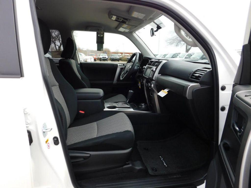 2018 Toyota 4Runner SR5 4WD - 17171651 - 7