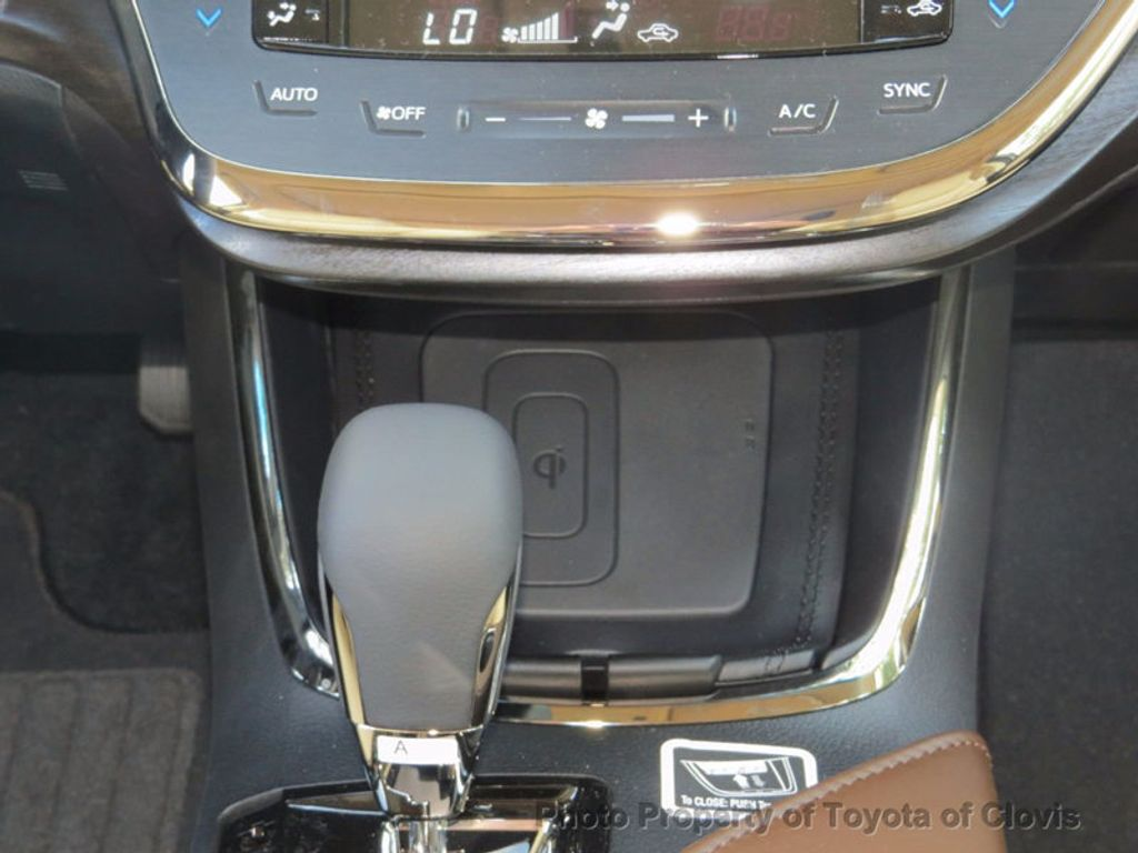2018 Toyota Avalon Hybrid XLE Premium - 16772314 - 13