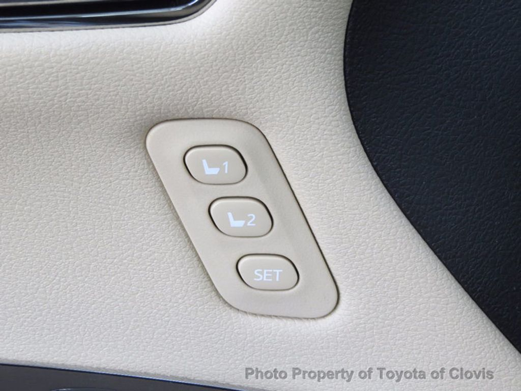 2018 Toyota Avalon Hybrid XLE Premium - 16772314 - 24