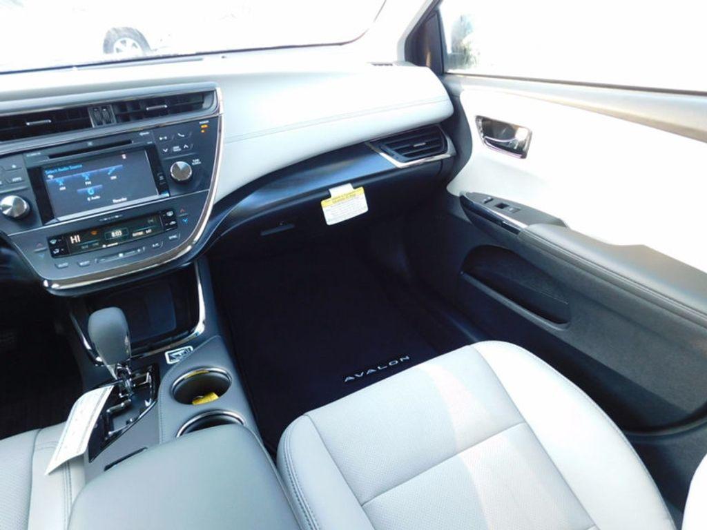 2018 Toyota Avalon Limited - 16765784 - 10