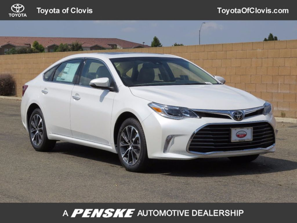 2018 Toyota Avalon XLE Plus - 16772315 - 0