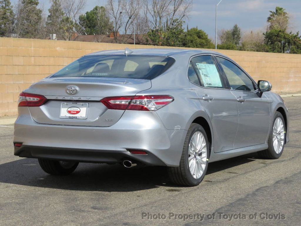 2018 Toyota Camry 4DSD - 17225907 - 23
