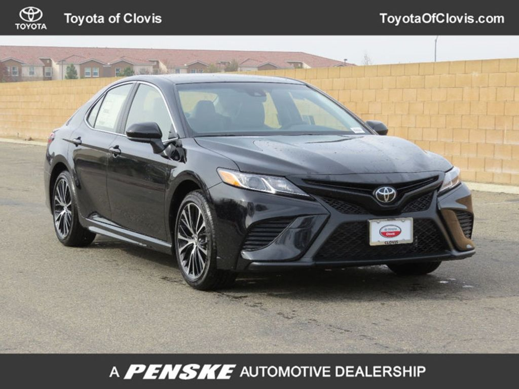2018 Toyota Camry 4DSD - 17239926 - 0