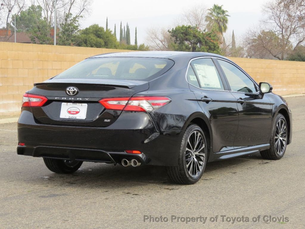 2018 Toyota Camry 4DSD - 17239926 - 2