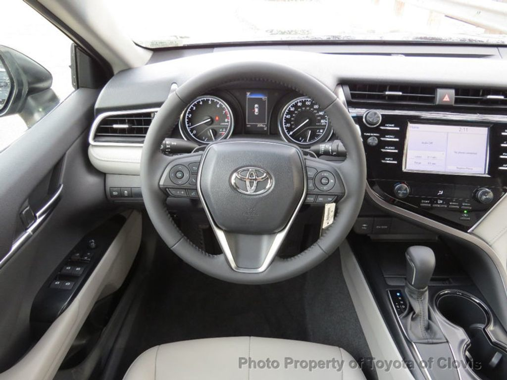 2018 Toyota Camry 4DSD - 17239926 - 6