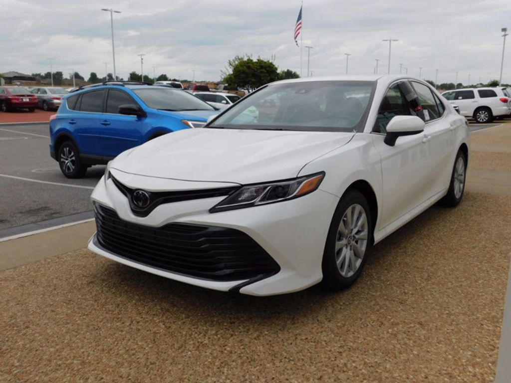 2018 Toyota Camry LE Automatic - 16662846 - 1