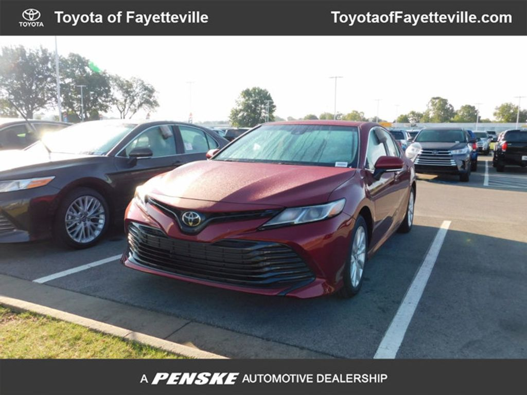 2018 Toyota Camry LE Automatic - 16776661 - 0