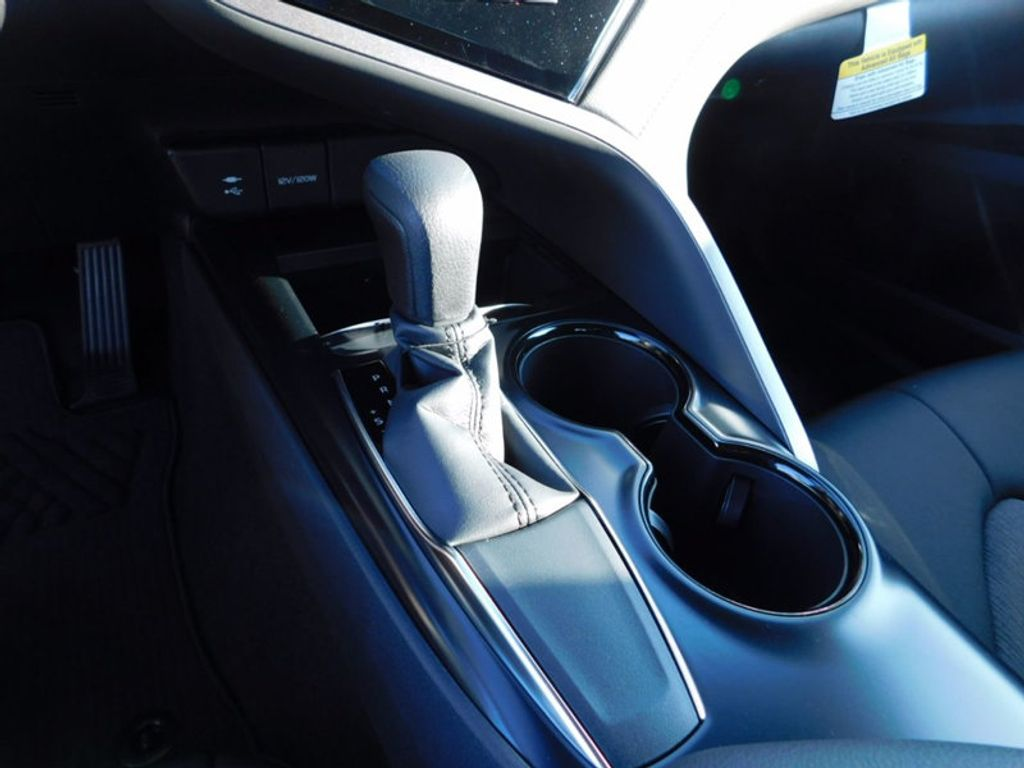 2018 Toyota Camry LE Automatic - 16776661 - 15