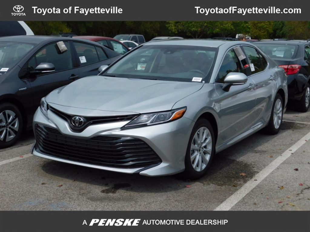 2018 Toyota Camry LE Automatic - 16834496 - 0