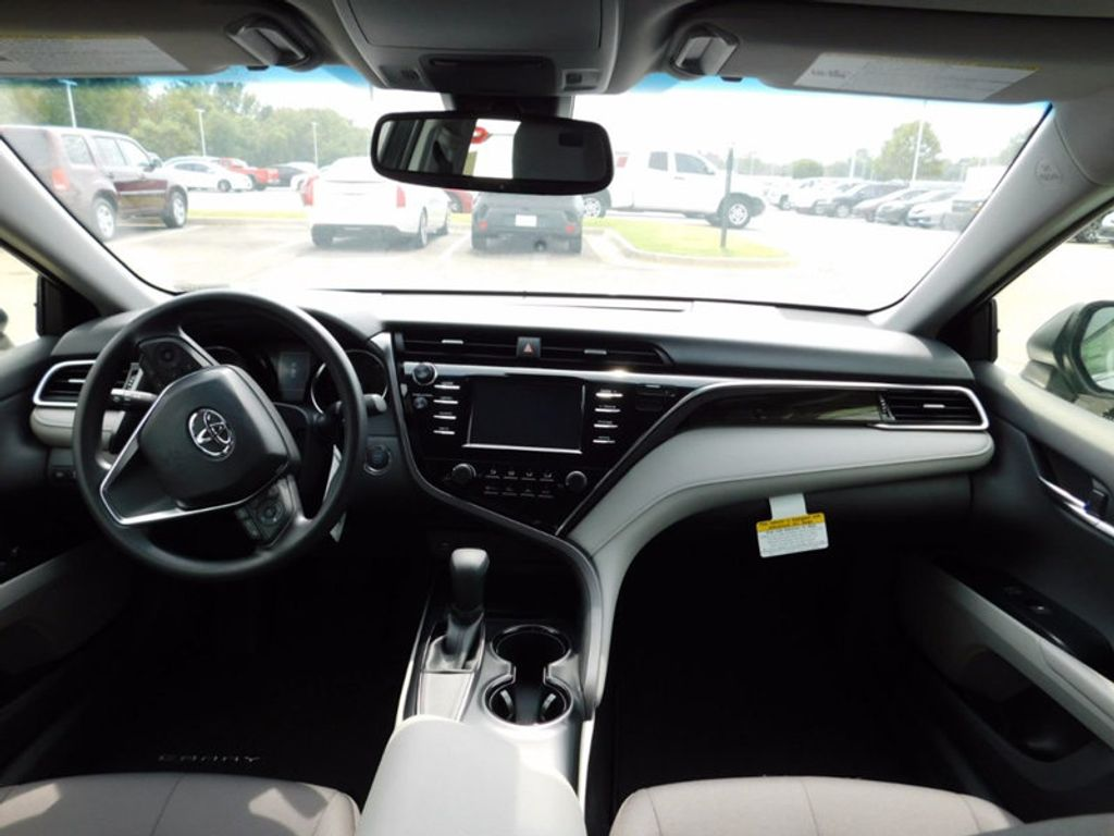 2018 Toyota Camry LE Automatic - 16834496 - 11