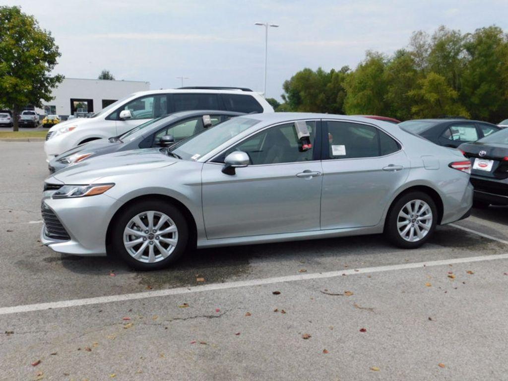 2018 Toyota Camry LE Automatic - 16834496 - 1