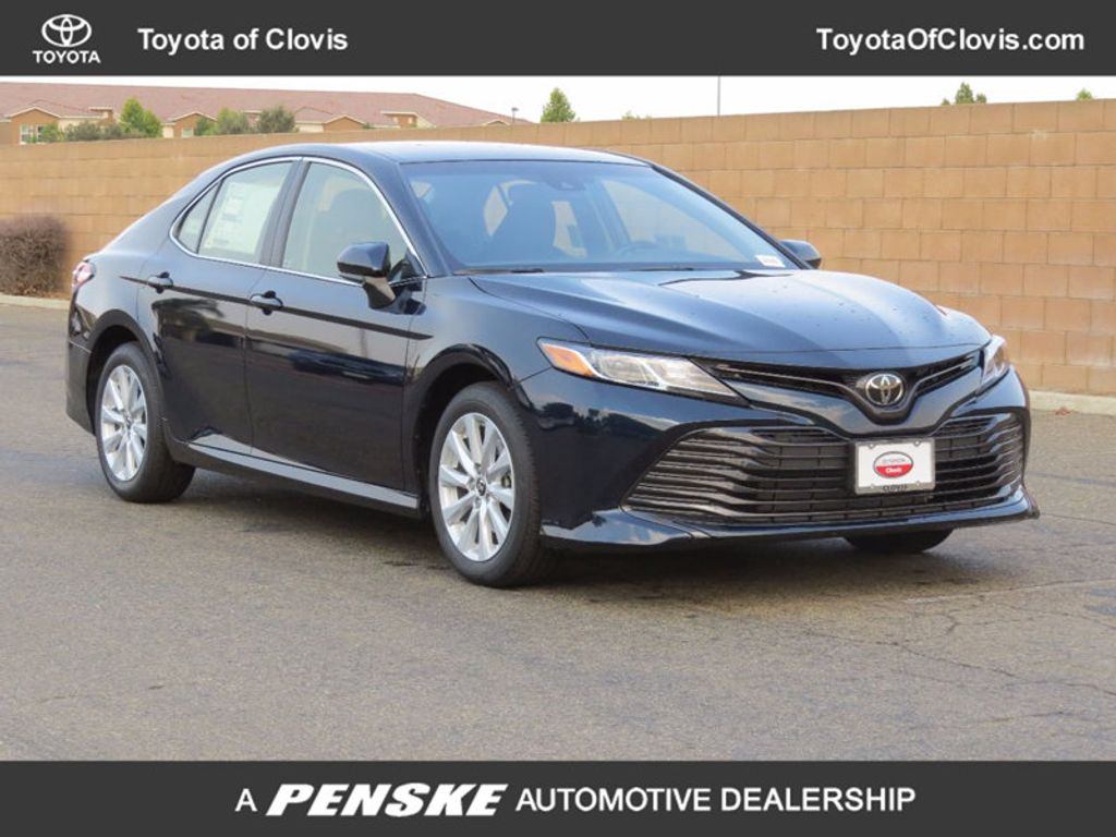 2018 Toyota Camry LE Automatic - 16636260 - 0