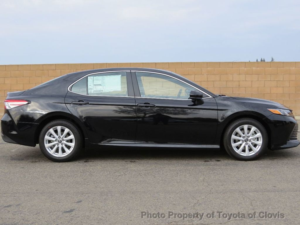2018 Toyota Camry LE Automatic - 17531519 - 1