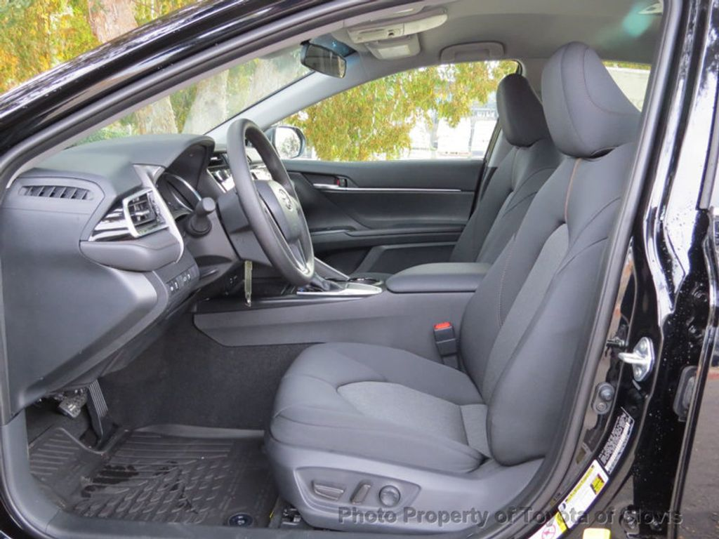2018 Toyota Camry LE Automatic - 17531519 - 3