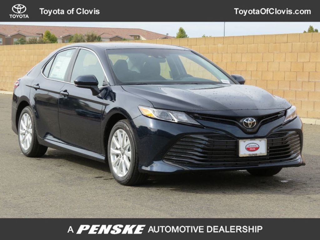 2018 Toyota Camry LE Automatic - 17674352 - 0