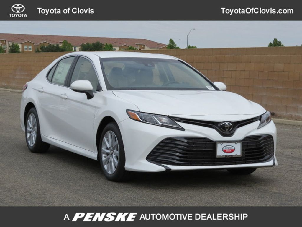 2018 Toyota Camry LE Automatic - 17698990 - 0