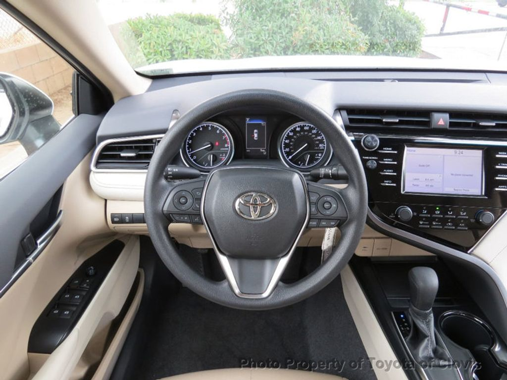 2018 Toyota Camry LE Automatic - 17698990 - 11
