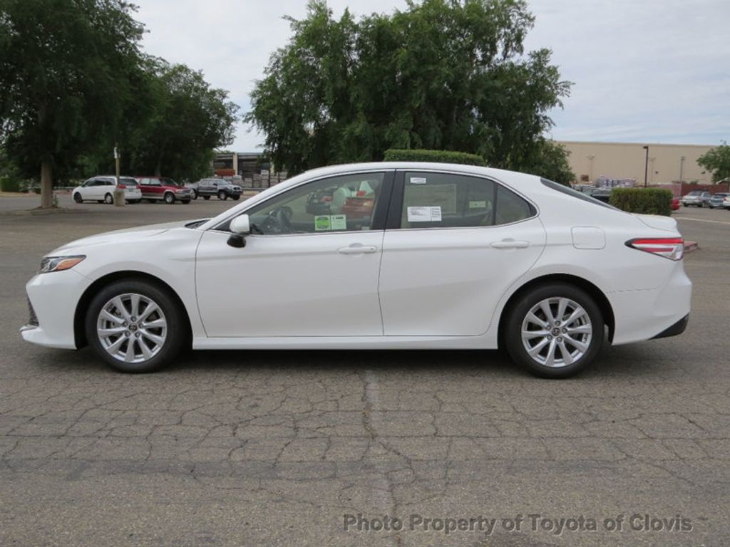 2018 Toyota Camry LE Automatic - 17698990 - 3
