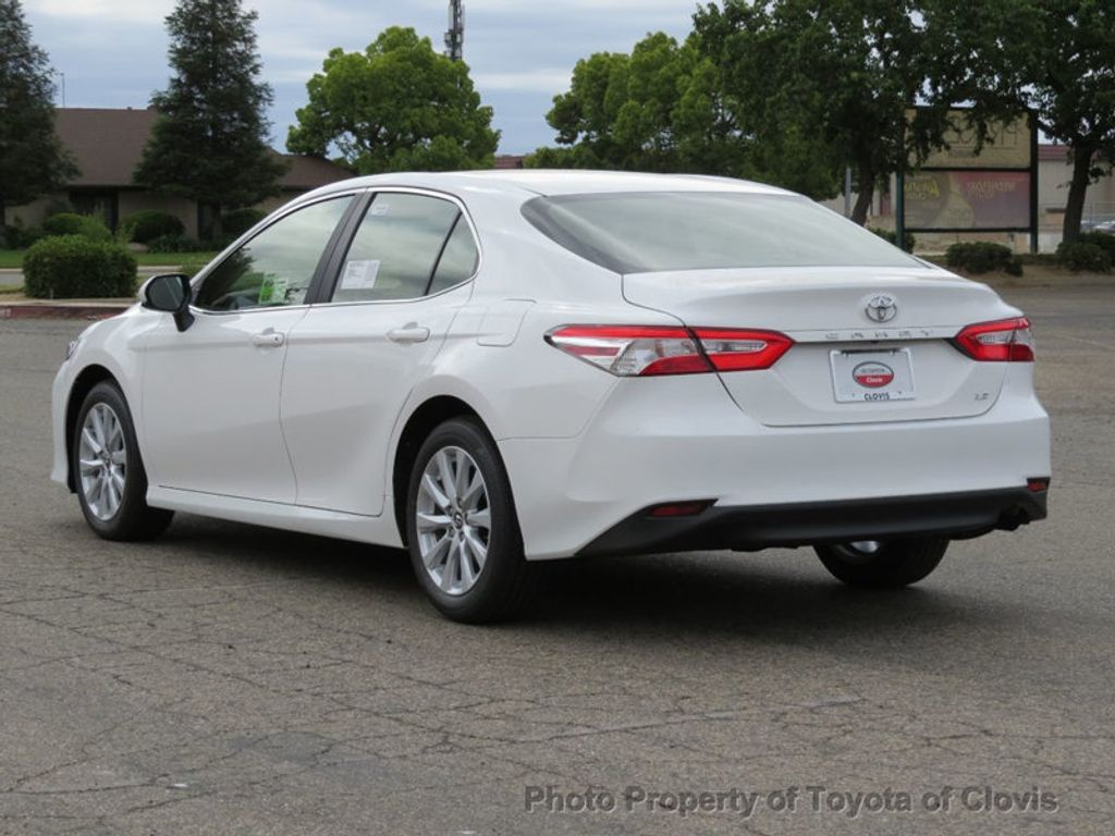 2018 Toyota Camry LE Automatic - 17698990 - 4