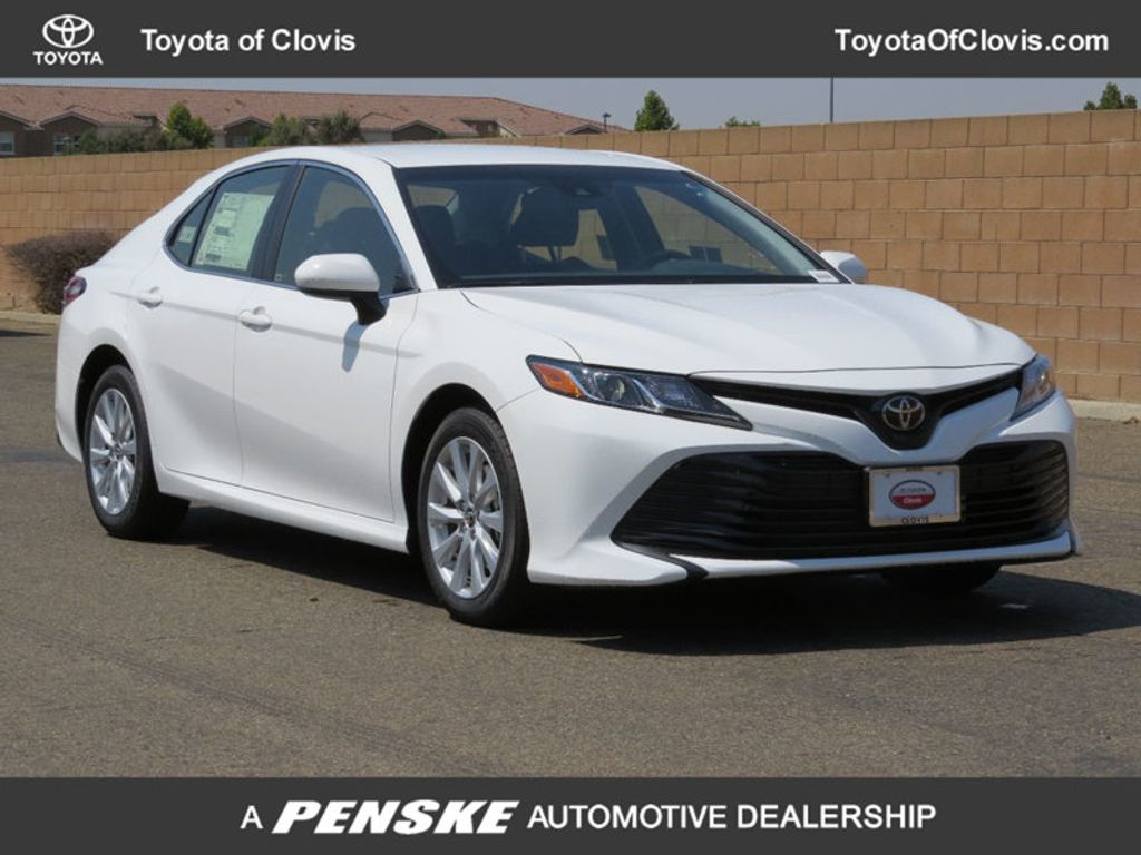 2018 Toyota Camry LE Automatic - 17732193 - 0