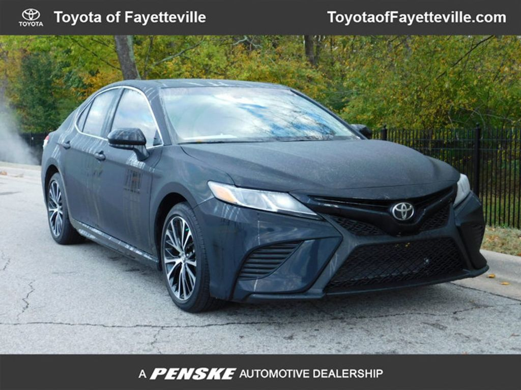 2018 Toyota Camry SE Automatic - 18289447 - 0